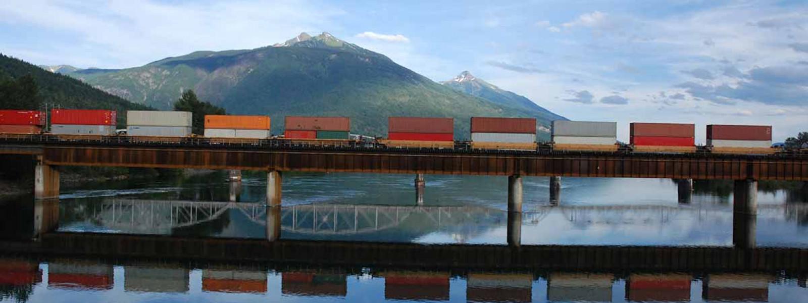 Canadian-train-on-a-railwaybridge-507718008_3872x2592
